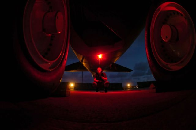 B-52 - Pacific nights Picture