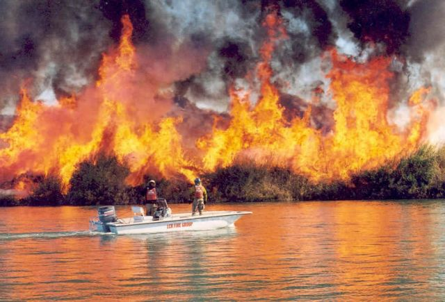 r2-az-imr-prescribed fire ignited by boat Picture