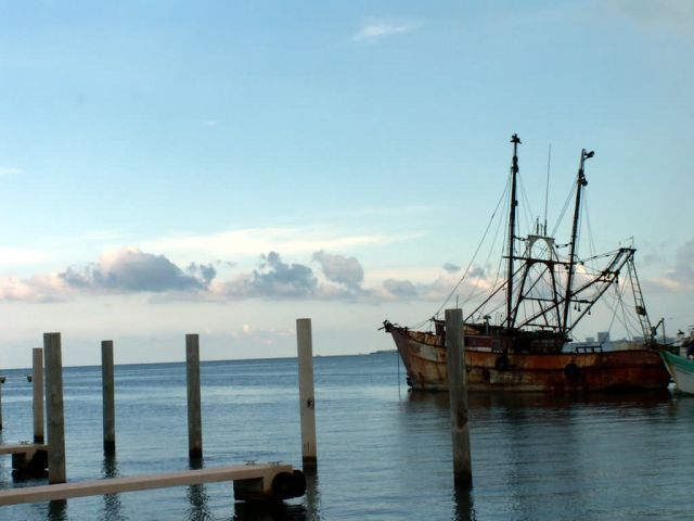 WOE183 Fishing Boat Picture