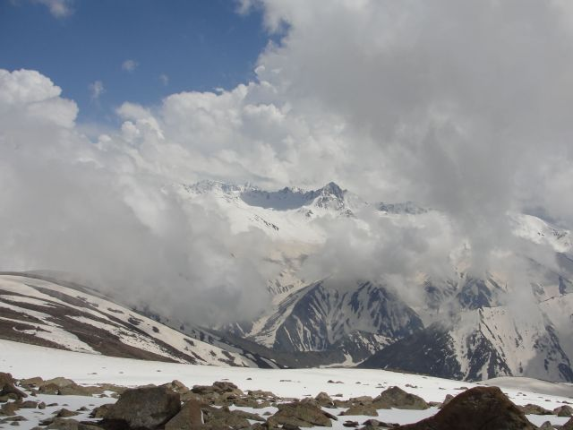 Gulmarg Scenery in Kashmir, India Picture