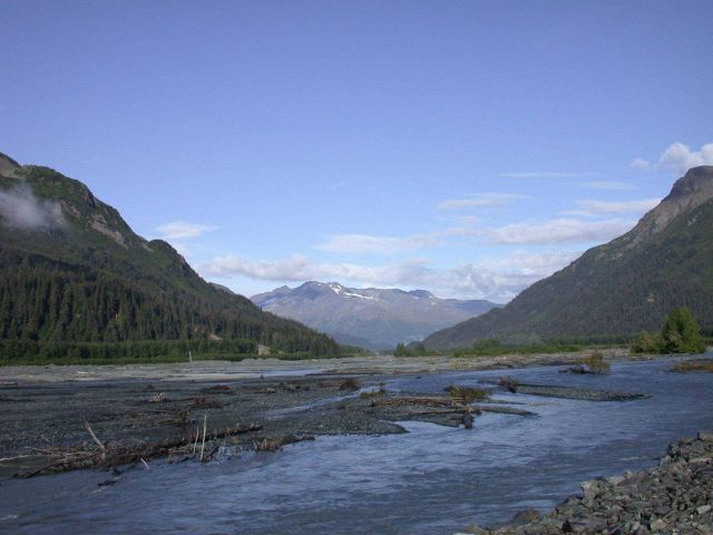 A river valley cutting through central Alaska along the George Parks Highway. Picture