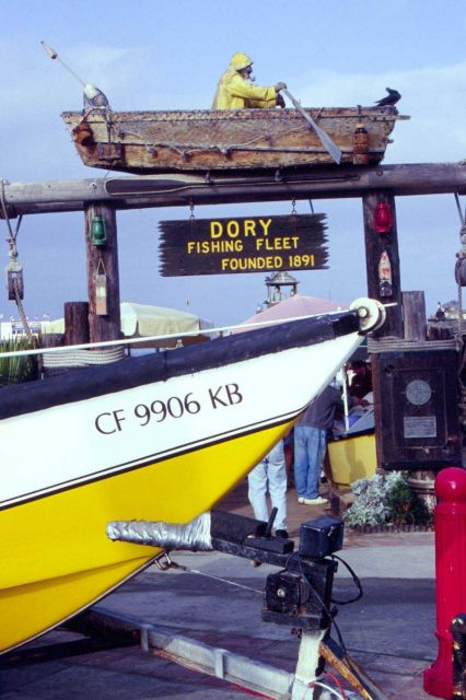 The dory fleet market attracts both tourists and buyers. Picture