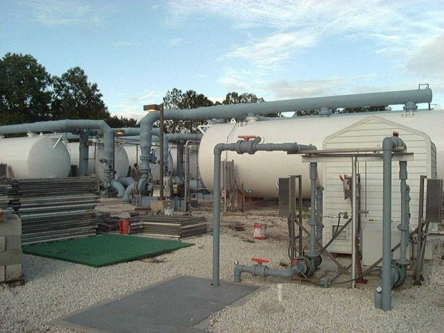 Outside view of tanks and filtration systems for Epcot Living Seas Aquarium Picture