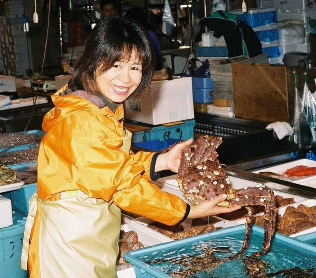 Giant crab for sale at Shiogama market in Japan Picture