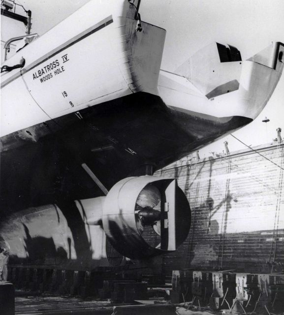 Propeller of ALBATROSS IV seen during a shipyard period Picture