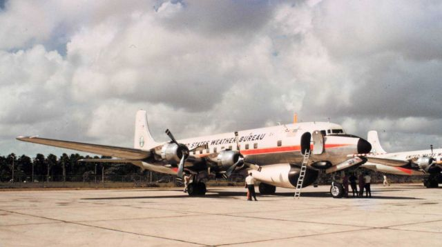 Weather Bureau DC-6 N6539C on the tarmac. Picture