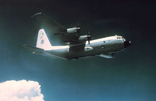 NOAA C-130 N6541C in flight. Picture