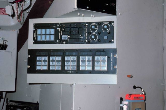 Position and meteorological display unit on NOAA C-130 N6541C Picture