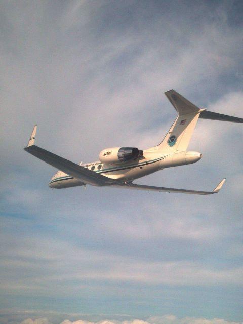 NOAA Gulfstream IV N49RF in flight. Picture
