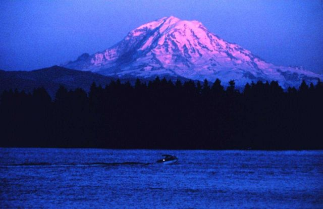 Mount Rainier at sunset. Picture