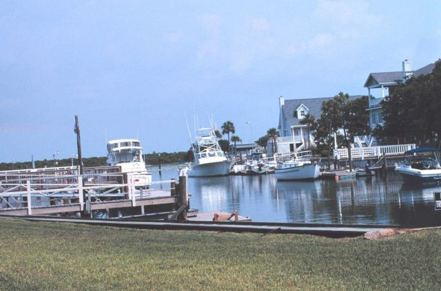 Recreational fishing boats and vacation homes Picture
