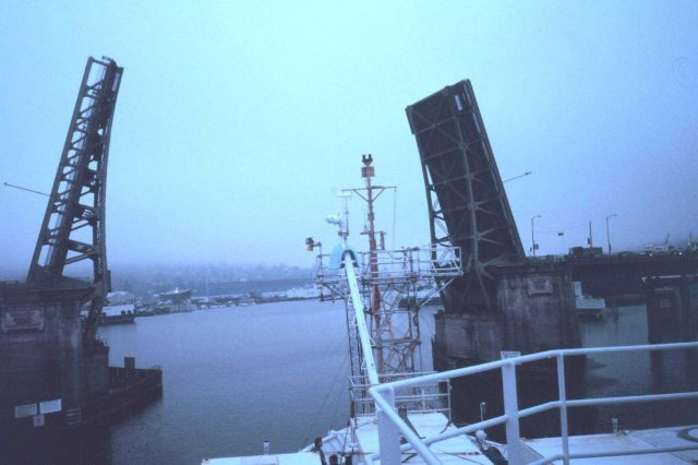 The 15th Avenue Bridge opening to allow the NOAA Ship RONALD H Picture