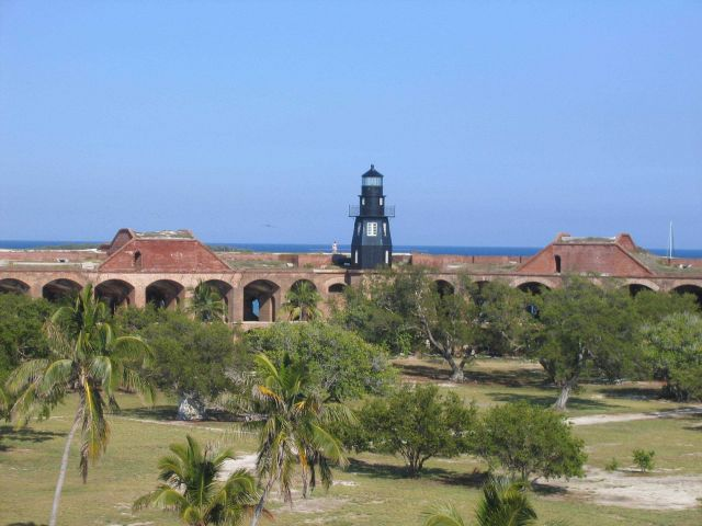 Fort Jefferson Lighthouse Picture