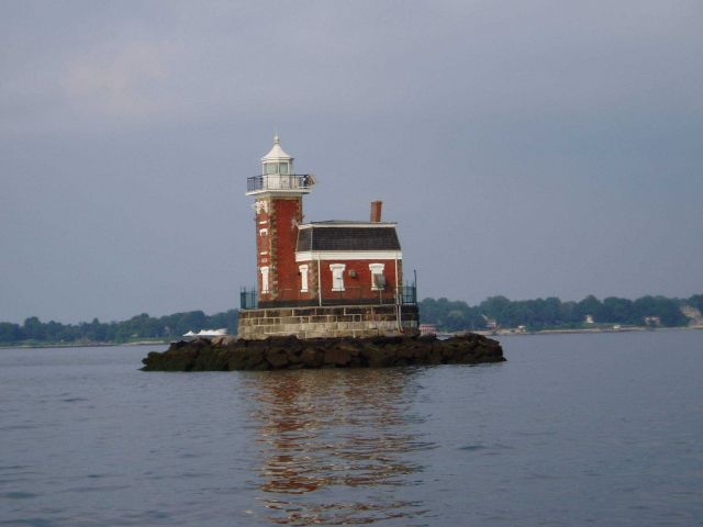 Stepping Stones Lighthouse Picture
