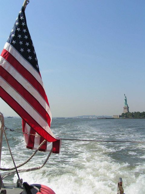 Departing the vicinity of the Statue of Liberty Picture