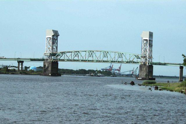 The Cape Fear Memorial Bridge carries U.S Picture