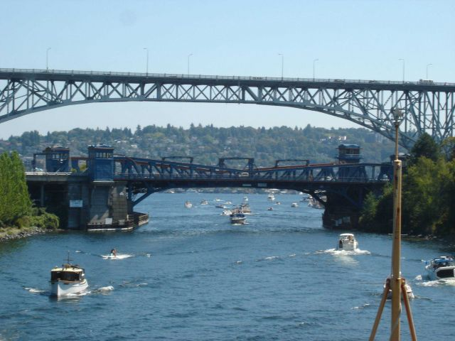 Approaching the Fremont Bridge, the low bascule bridge in the foreground Picture