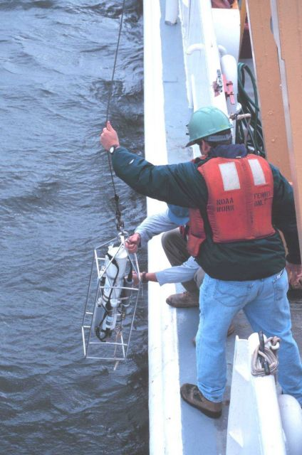 Bottom sampling operations on the NOAA Ship FERREL. Picture