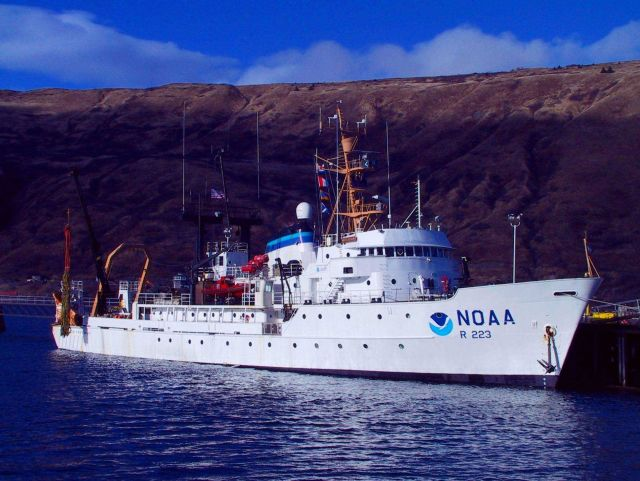 NOAA Ship MILLER FREEMAN getting ready for acoustic trawl survey, starboard view . Picture
