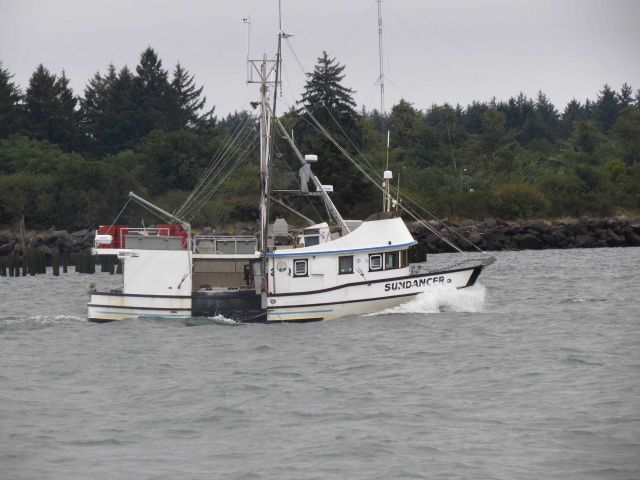 Small fishing boat SUNDANCER in Columbia River Picture
