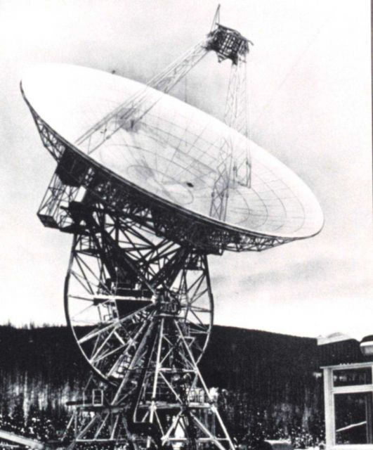 An 85-foot diameter parabolic antenna used to send commands and receive information from meteorological satellites. Picture