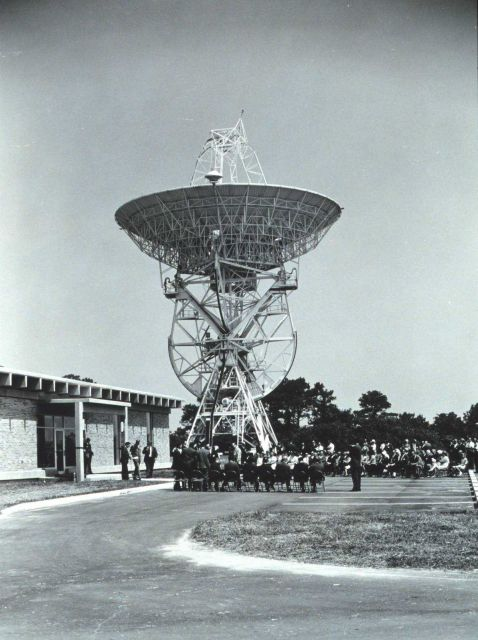 Dedication ceremony of the 85-foot (26-meter) parabolic antenna at the Wallops Island CDA. Picture