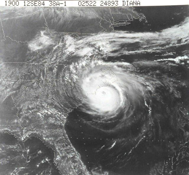 TIROS-N view of Hurricane Diana churning off North Carolina coast Picture