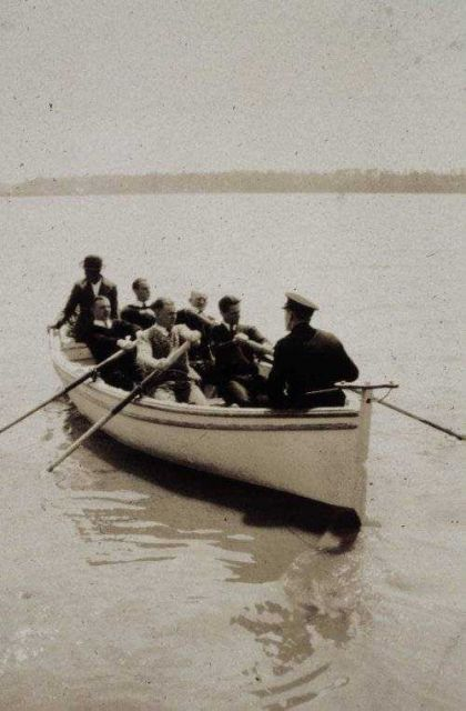 Training classes at Jamestown Picture