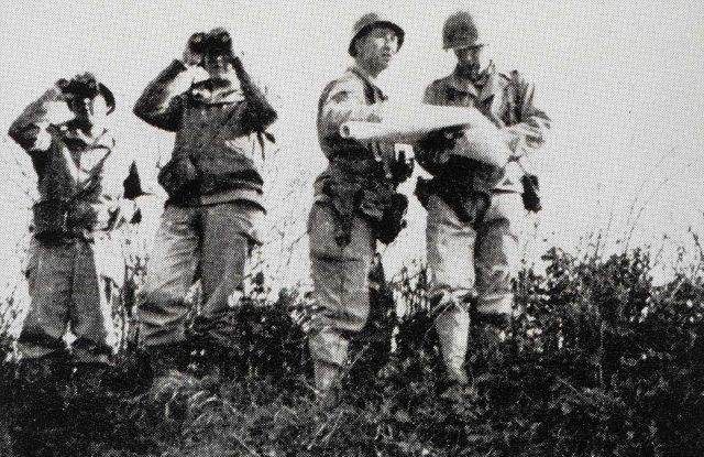 Lieutenant Fountain and Sergeant Newton on reconnaissance training Picture