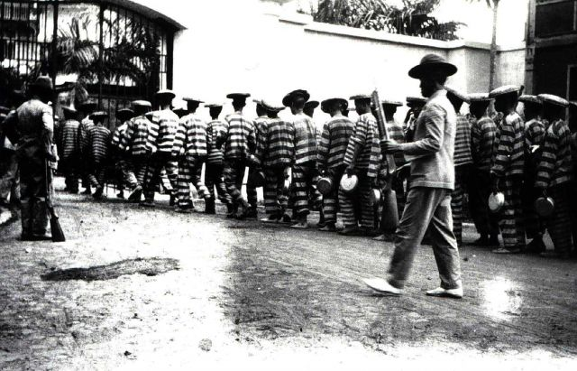 Marching the prisoners at Bilibid Prison Picture