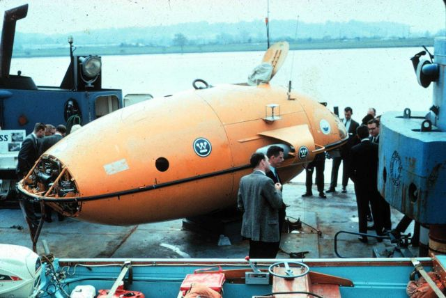Deepstar 4000 manned sub Picture