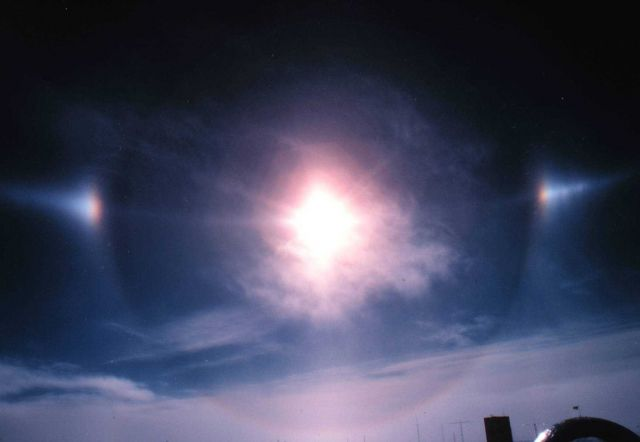 Sun halo and sun dogs. Picture