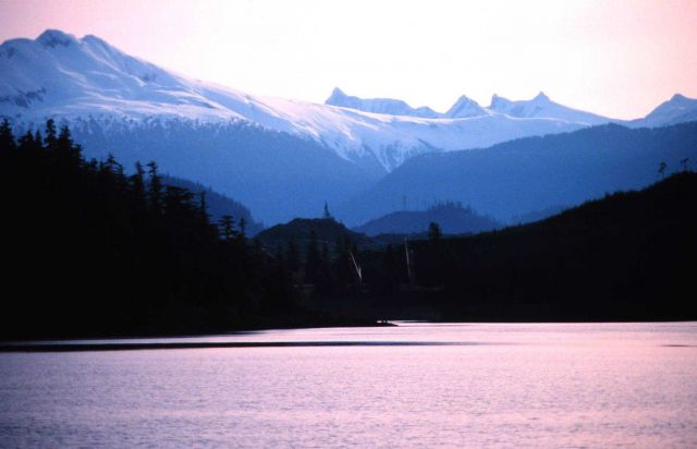 Alaska mountains in May Picture
