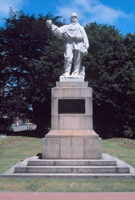 Statue of Antarctic explorer Robert Falcon Scott along the Avon River in Christchurch, New Zealand. Picture