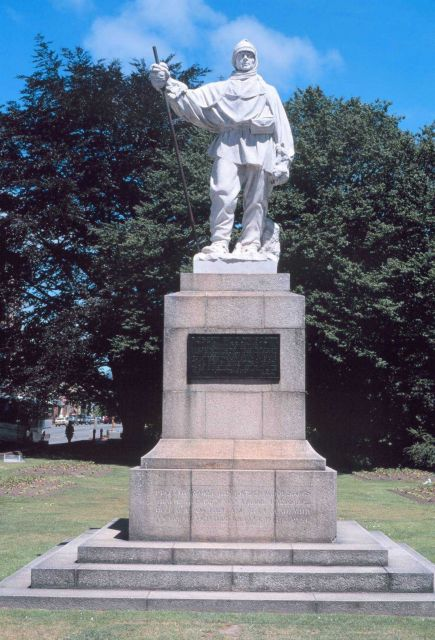 Statue of Robert Falcon Scott along the Avon River in Christchurch, New Zealand. Picture