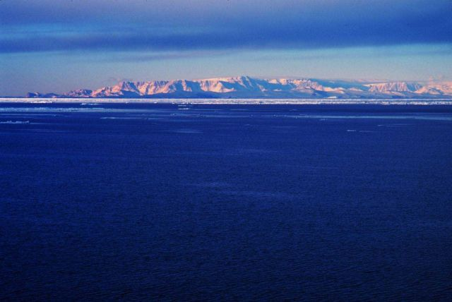 Transantarctic Mountains along the western edge of the Ross Sea Picture