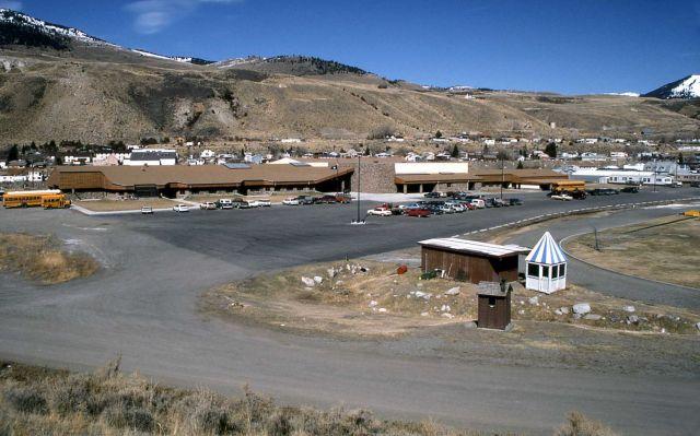 Gardiner school Picture