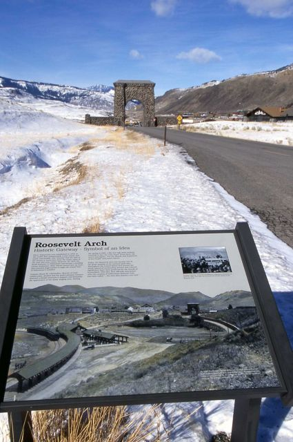 Roosevelt Arch & arch wayside exhibit Picture