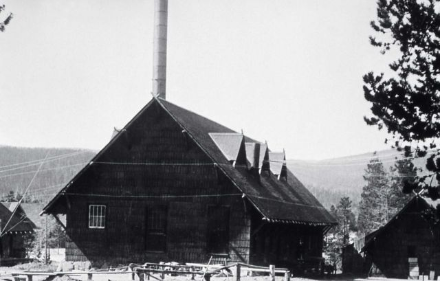 Yellowstone Park Hotel Company laundry at Old Faithful Picture