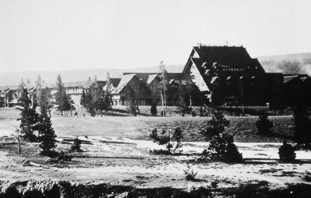Yellowstone Park Hotel Company - Old Faithful Inn Picture