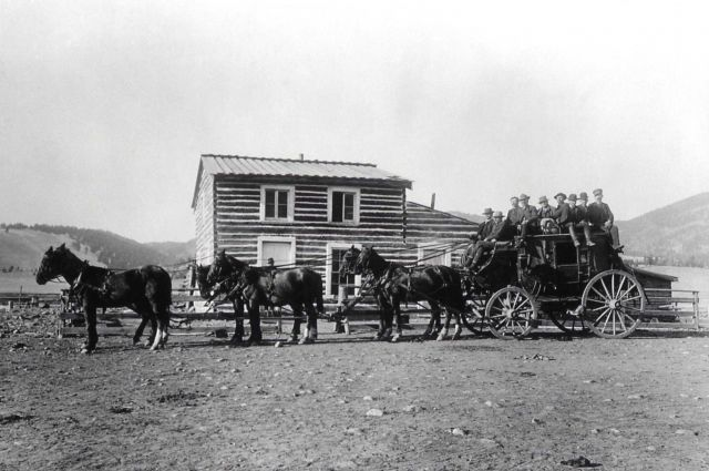Stagecoach at Yancy's Hotel Picture