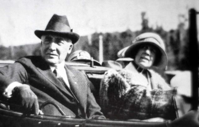 President & Mrs W Harding visiting Yellowstone National Park Picture