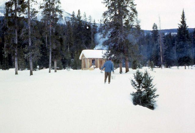 Elk Tongue Creek patrol cabin Picture