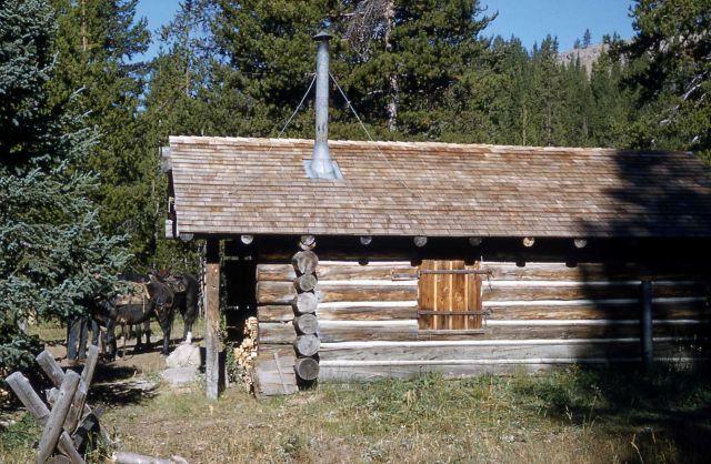 Harebell patrol cabin Picture