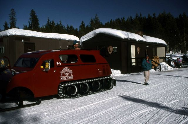 Canyon Warming Hut with snowcoach Picture