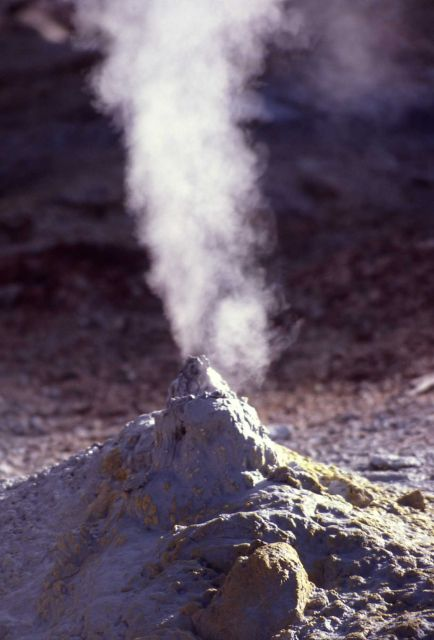 Fumerole near Steamboat Geyser (15