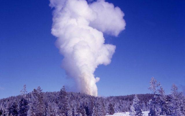 Steamboat Geyser eruption - Norris Geyser Basin Picture