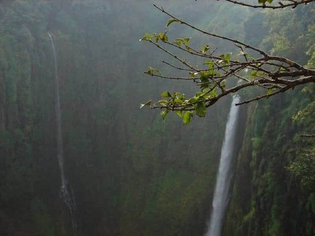 Thoseghar Waterfall - Maharashtra Picture
