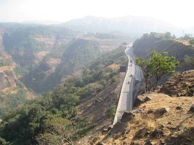 Mumbai Pune Expressway Picture