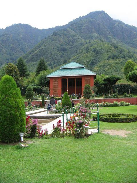 Nishat Bagh -  Srinagar Picture